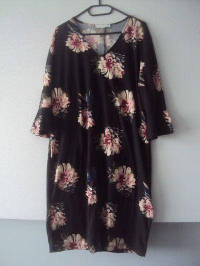 Suknie i sukienki dzianinowa sukienka w kwiaty