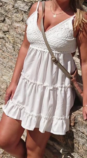 Suknie i sukienki Piekna biala koronkowa sukieneczka