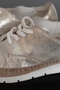 Buty tenisówki damskie Lasocki skórzane złote 35 rozm...