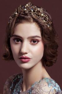 Nowa korona diadem tiara złoty kolor kwiaty koraliki perły księżna królewna królowa