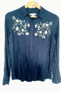 Koszula z wyszywanymi kwiatkami...