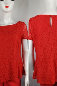 Czerwona koronkowa bluzeczka...