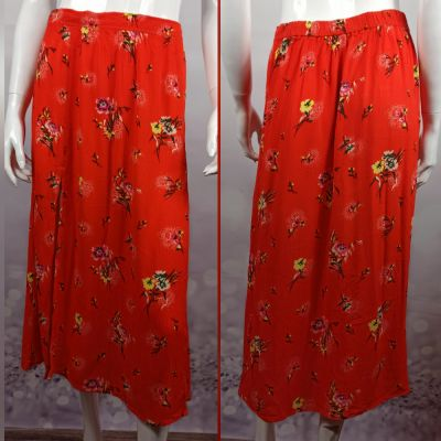Spódnice Piękna czerwona spódnica z rozporkami na przodzie o naturalnym składzie