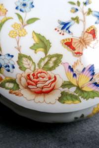 porcelanowe puzderko AYNSLEY Cottage Garden...