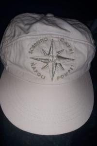 Bawełniana biała czapka z daszkiem