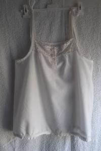 Biały szeroki top na ramiączkach B Young Collezione L...