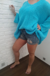 Piękny sweter narzutka