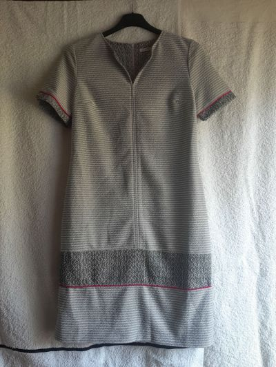 Suknie i sukienki Dopasowana sukienka Quiosque rozmiar 36