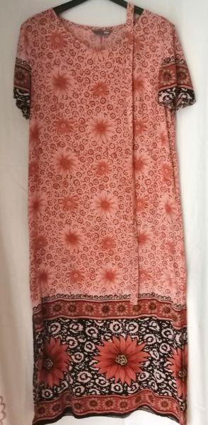 Suknie i sukienki Sukienka z wiskozy HiM 38