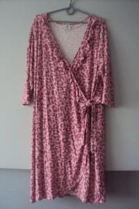 dzianinowa zakldana sukienka