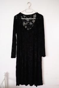 Czarna długa sukienka mgiełka z welurem gotycka vintage witchy gothic