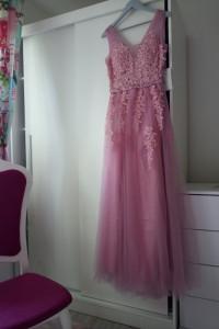 Tiulowa dluga suknia M