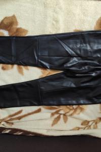 Spodnie Vero Moda...