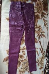 Fajne spodnie skóropodobne...