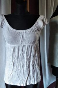 Biała bluzka Cubus rozmiar M odcinana pod biustem hiszpanka...