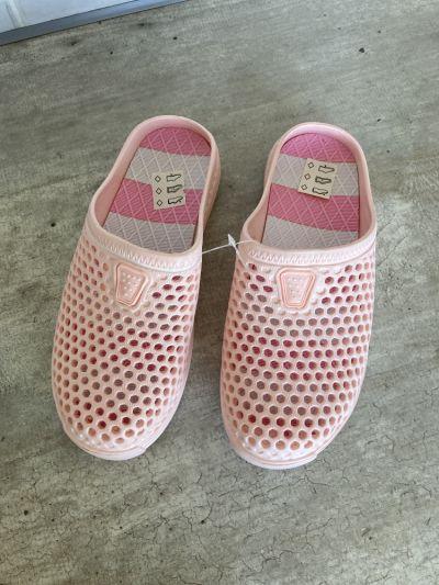 Klapki nowe różowe gumowe klapki