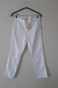 Spodnie białe...