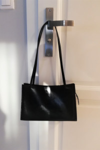 Czarna lakierowana torebka na ramię must have włoska Grandini