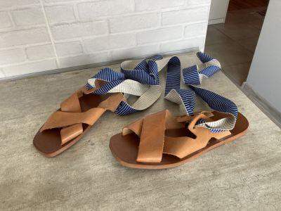 Sandały Zara sandały skórzane wiązane skóra rozmiar 38 wkładką 25cm założone raz