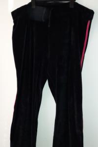 Czarne welurowe damskie spodnie dresowe 52...