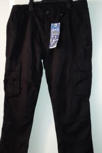 Czarne męskie spodnie bojówki W38 L30...