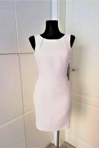 Piękna biała klasyczna sukienka Oncu...