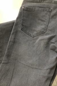 Szare spodnie jeans Esmara...