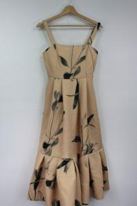 Bezowa sukienka midi w kwiaty