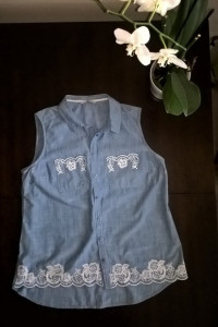 Bawełniana letnia bluzka niebieska z haftem 44 46