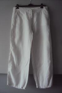biłae lniane spodnie