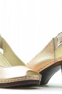 Skórzane sandały...