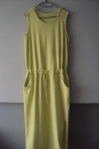 dresowa sukienka z kapturkiem...
