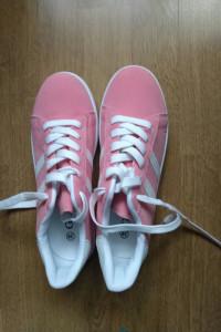 Buty damskie różowe...