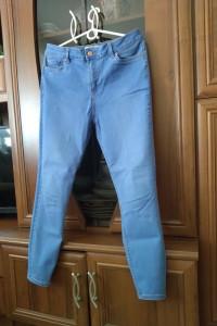 Jeansy jasnoniebieskie damskie...