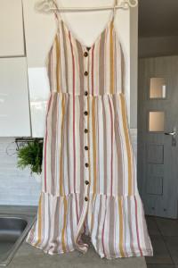 Yessica CA sukienka midi paski guziki lniana rozmiar S 36...