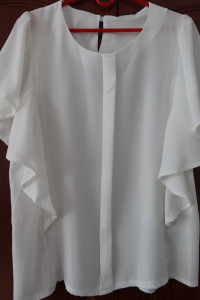 biała elegancka bluzeczka letnia 38...