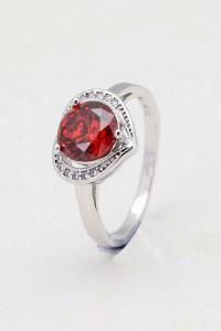 Nowy pierścionek srebrny kolor czerwona cyrkonia kształt serca serce serduszko