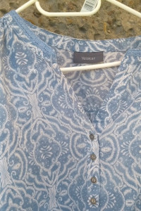 Śliczna i delikatna bluzeczka bawełniana...