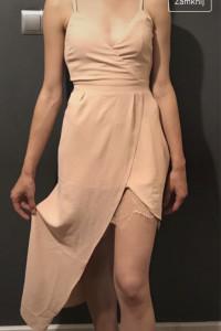 Sukienka asymetryczna na ramiączkach...