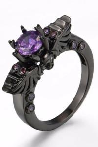 Nowy pierścionek czarny z fioletową cyrkonią goth retro czaszka...
