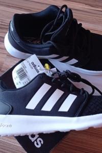 Adidas czarne QT RACER cloudfoam...