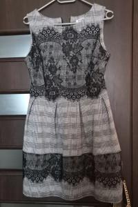 Sukienka Koronką Colloseum