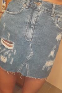 Spódniczka jeansowa z przetarciami nowa...