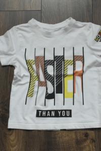 Tshirt biały z napisem 110...