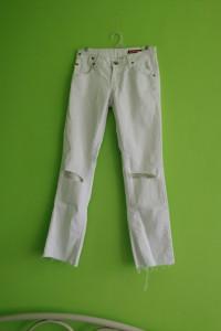 Spodnie białe jeans...