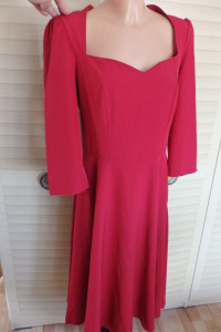 Wyjatkowa burgundowa sukienka...