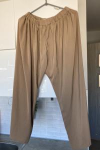 Forever21 beżowe spodnie luźne nude cieliste...