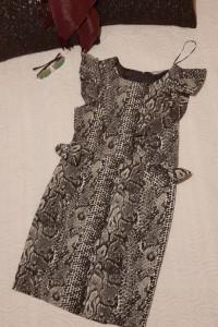 sukienka z falbanką wzór skóra węża 40...