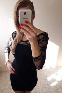 Sukienka z koronką...