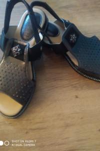 Brązowe damskie sandaly